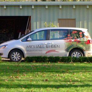 Firmenwagen Maler- und Lackierbetrieb Michael Ehren mit Mohnblumen Motiv